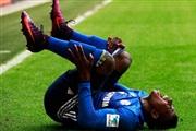 Емболо го скрши глуждот, ќе паузира шест месеци