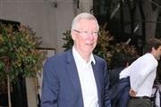 Таен состанок: Покетино го презема Јунајтед