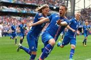 Исланд во екстаза: Нè бодрат 10.000 сонародници...