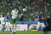 Брејди преку Италија ја доведе Ирска во осминафиналето