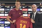 Патрик Шик нов напаѓач на Рома