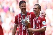 Лам и Алонсо како шампиони се збогуваа од фудбалот